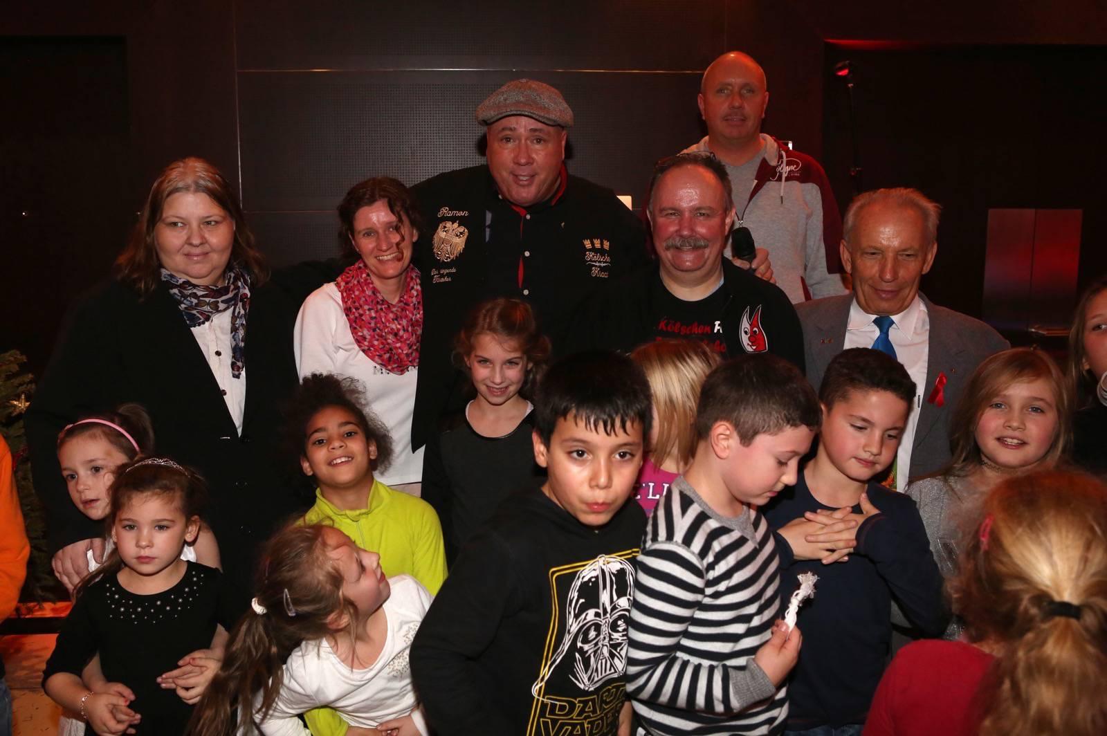 Weihnachtsfeier mit 100 Kinder im Hotel im Wasserturm Köln