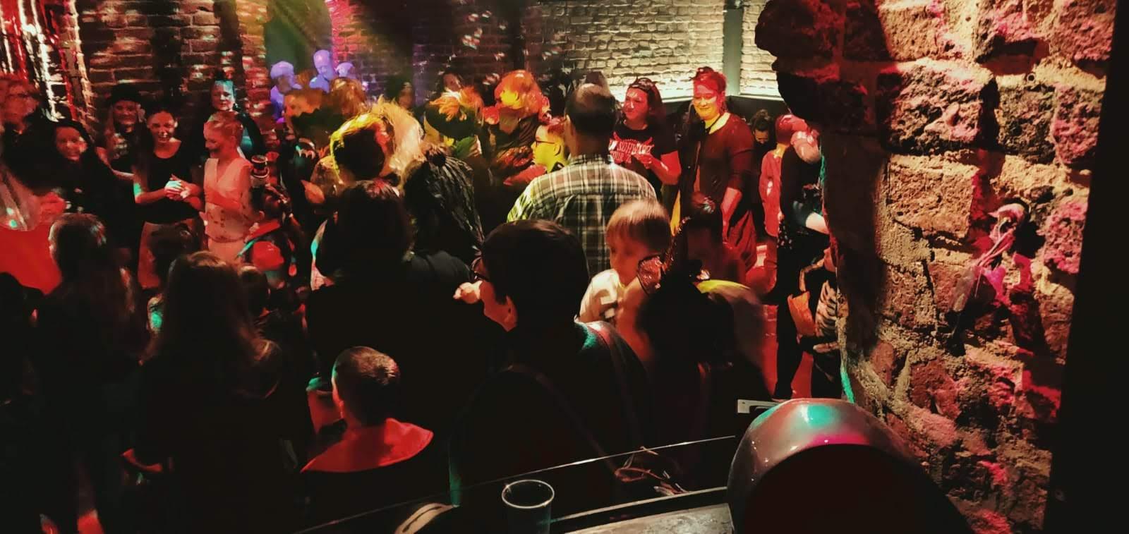 Halloween Party in der Roonburg